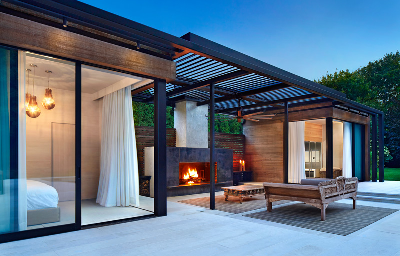 a contemporary pool house in the hamptons contemporist. Black Bedroom Furniture Sets. Home Design Ideas